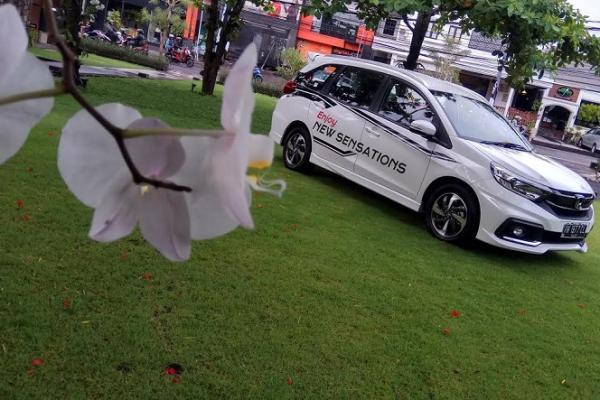 Honda berwarna putih ternyata paling diminati dan dengan harga jual paling tinggi. (Foto : zenuar yoga)