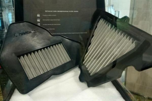 Filter udara Ferrox Satri FI dan Kawasaki 1000cc. (Foto : zenuar yoga)