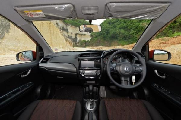 Kabin New Honda Mobilio, elegant dan modern. (Foto : zenuar yoga)