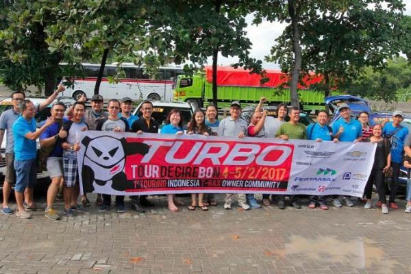 Komunitas mobil ini melakukan turing ke Cirebon, nuansa lain. (foto : dok)