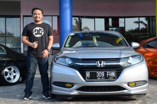 Drifter nasional dari tim Kuja Motorsport GT Radual, M. Farhan Maulana