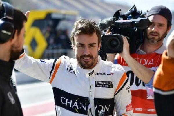 espacio Incitar audición  F1 2017 : Fernando Alonso Digandeng Adidas, Sederajat Dengan Messi