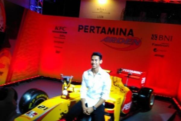 Sean Gelael, telah merasakan menjajal mobil F1 yang complicated. (foto : ist)