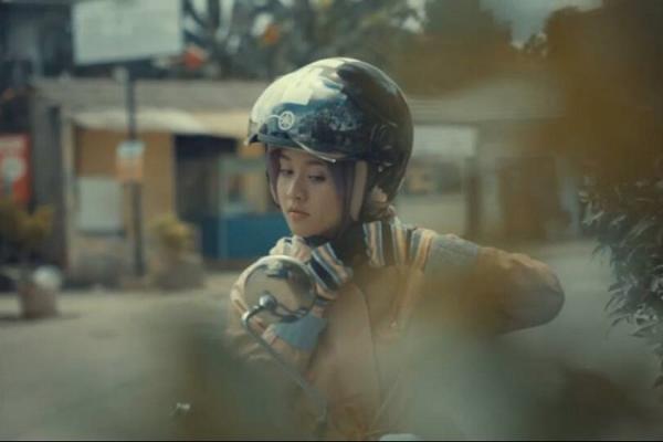 Kartini Masa Kini, piawai mengendarai motor skutik Yamaha di rimba belantara jalan raya? (foto : Yamaha)