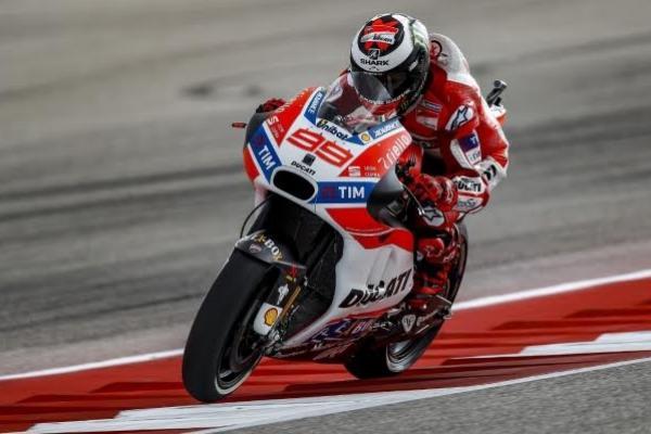Jorge Lorenzo mendapat ujian di sirkuit Jerez, Spanyol pada seri MotoGP 2017. (foto : Ducati)