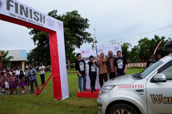 Terios 7 Wonders Molucas bersiap menembus finish line di Morotai