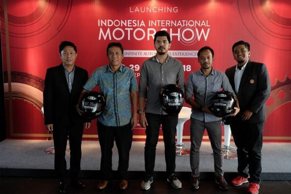 Hendra Noor Saleh (kiri) bersama perwakilan peserta dan sponsor saat launching di Jakarta.