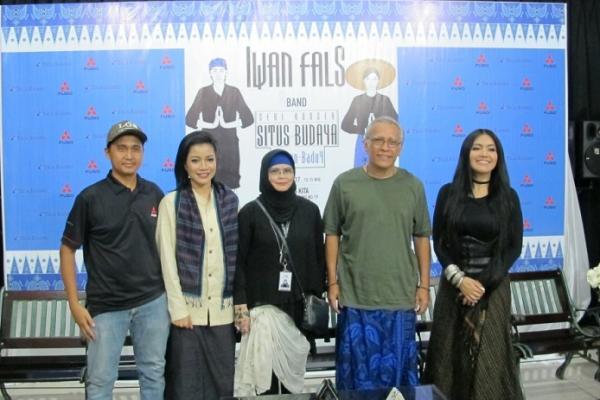 Iwan Fals (dua dari kanan), lestarikan budaya Baduy