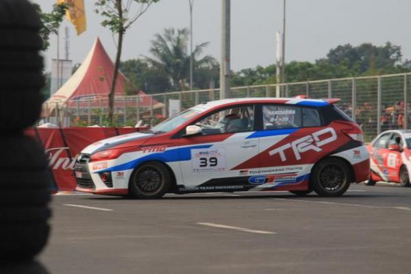 Haridarma Manoppo andalkan ban Champiro SX2 di Sirkuit Jalan Raya, Serpong