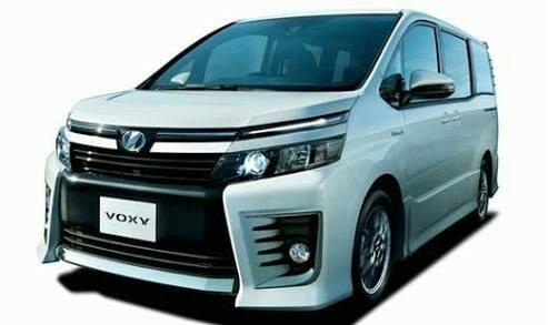 Toyota Voxy ternyata sangat diminati keluarga Indonesia di segmentnya. (foto : Toyota Astra Motor)