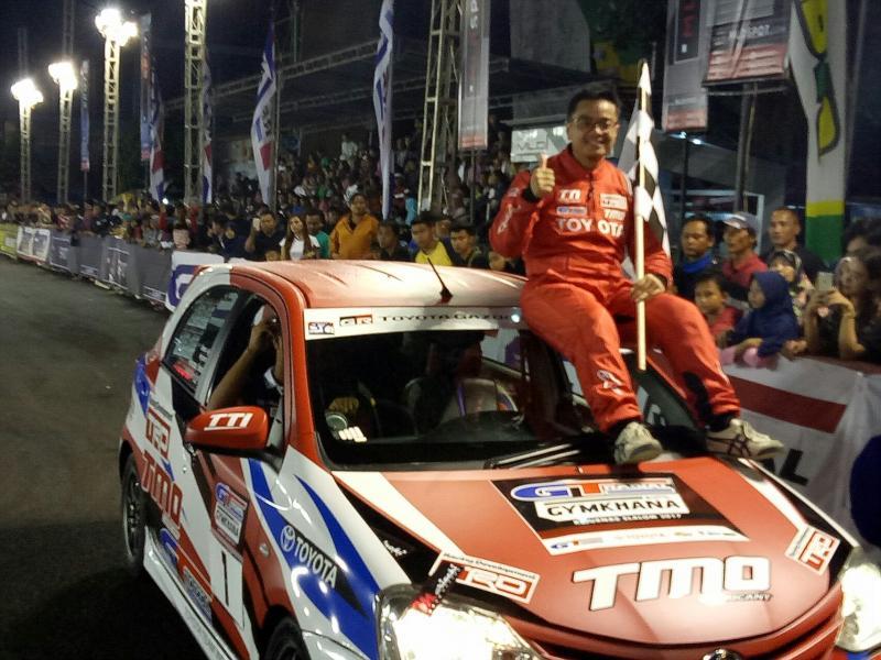 Anjasara Wahyu menjadi meteor baru ajang auto gymkhana Indonesia. (Foto : budi santen)