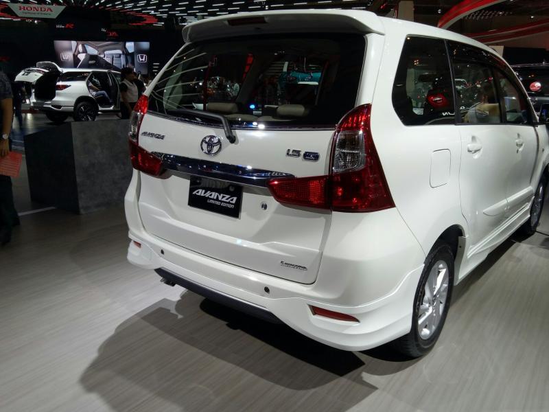 Toyota Avanza, small MPV yang telah dimiliki lebih dari 1,6 juta masyarakat Indonesia. (Foto : budsan)