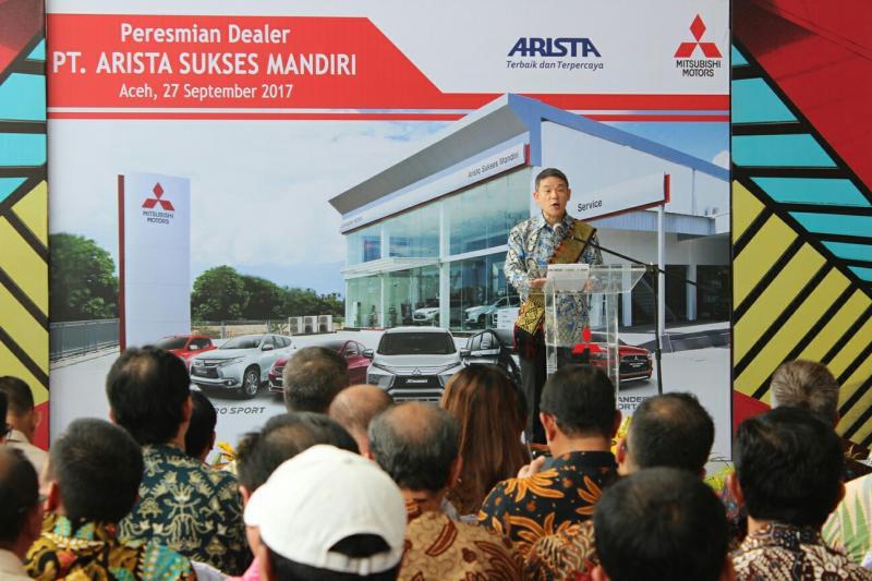 Presdir Kyoya Kondo meresmikan dealer Mitsilubishi di Aceh. (Foto : MMKSI)