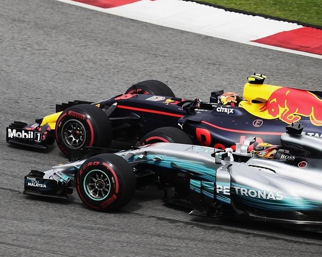 Max Verstappen (Red Bull) paksa Hamilton finish ke-2 di Sirkuit Sepang