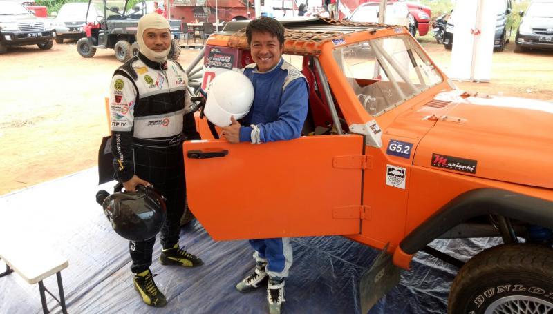 H. Fachrul Sarman dan Fredi Rostiawan, duet pengurus IMI Jabar berkibar di ajang speed offroad Paramount. (Foto : budsan)