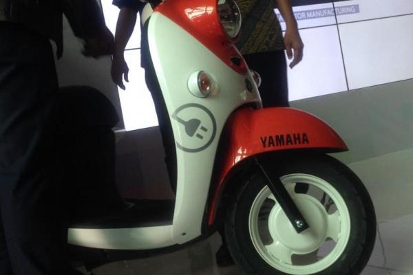 Yamaha Indonesia perkenalkan skuter listrik Yamaha e-Vino