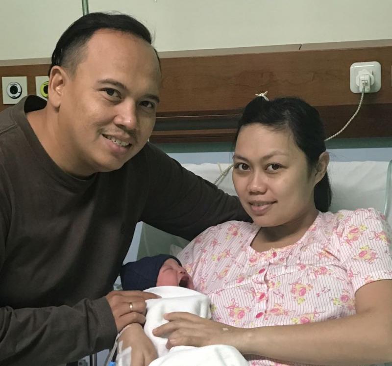 Ricky Sitompul dan istri berbahagia dengan kelahiran anak ke-2 mereka