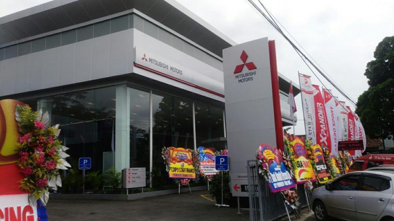 Diler Mitsubishi yang baru saja diresmikan di Purwokerto. (Foto : MMKSI)
