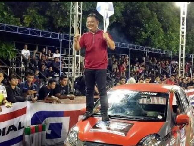 James Sanger diminta jadi instruktur safety driving di Sentul. (foto : budsan)