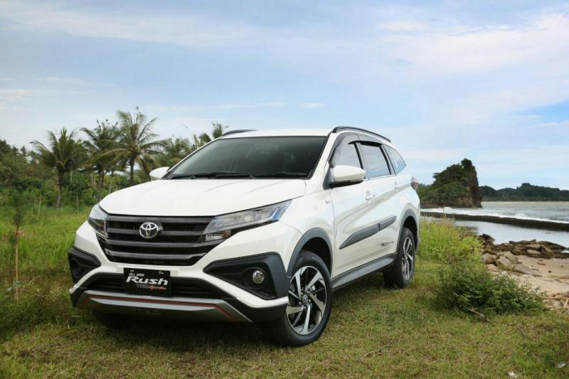 Warna putih Toyota All New Rush paling diminati konsumen. (foto : adri)
