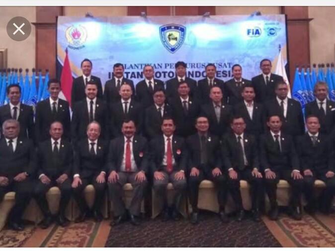 Pengurus IMI Pusat periode 2016-2020 saat dilantik Ketua KONI Pusat, Mayjen Tono Suratman pada Juni 2017. (foto : ist)