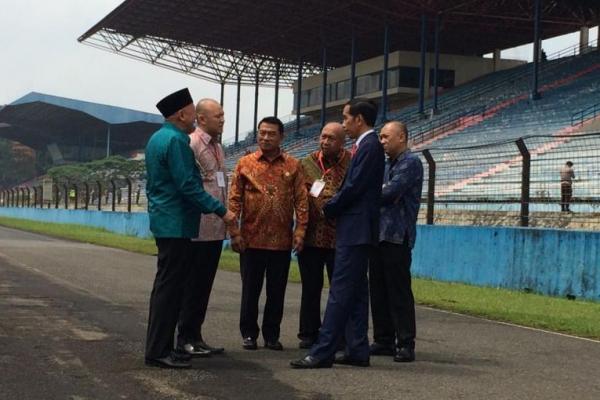 Jokowi meninjau Sirkuit Internasional Sentul, Selasa (6/3)