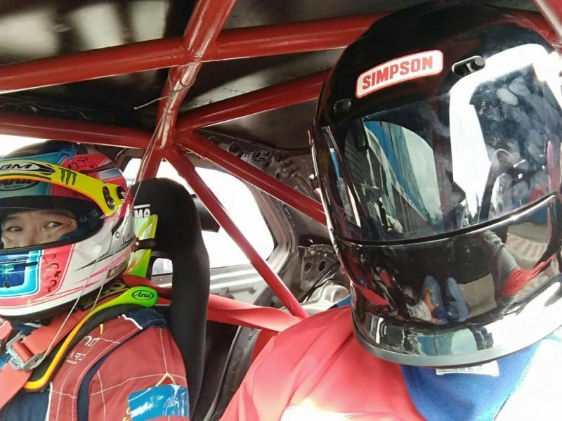 Taxi Ride bersama pembalap ABM Racing Team Jimmy Lukita, kayak balap beneran! (anto)