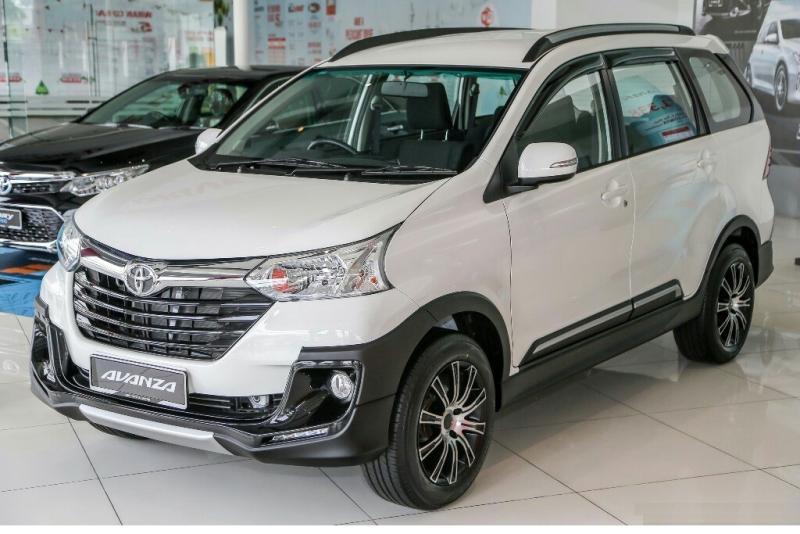 Toyota Avanza 1.5 X, varian baru penyegaran dijual di Malaysia seharga hampir Rp 300 juta (foto: paultan)