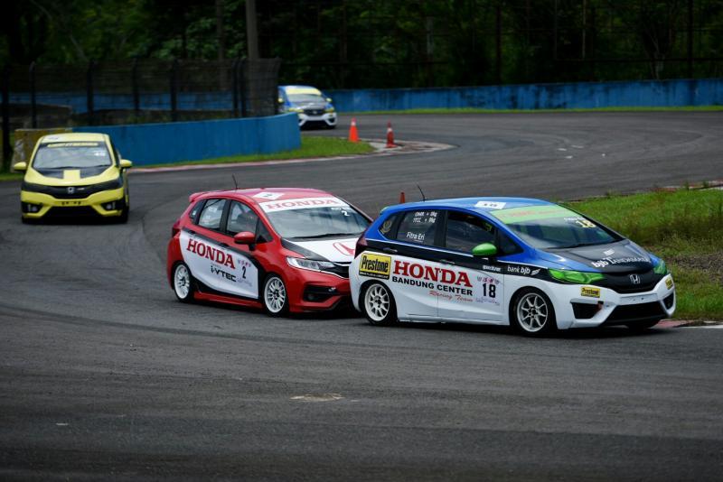Honda Jazz Speed Challenge mendapat animo besar dari penggila balap mobil. (foto : ist)
