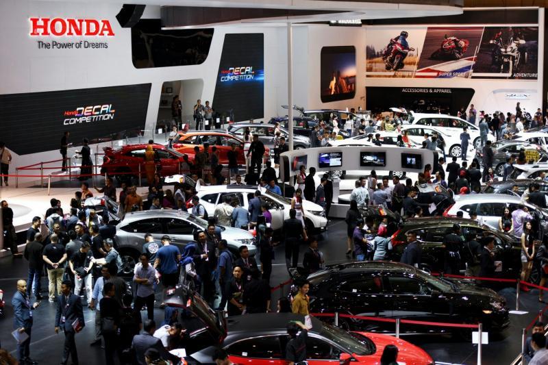 Honda sewa booth paling luas di IIMS 2018, untuk line up 29 mobil. (foto : HPM)