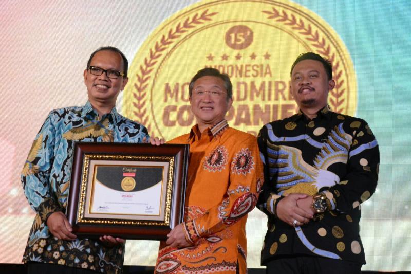 Minoru Morimoto hadir langsung untuk menerima Indonesia Most Admired Companies 2018. (foto : ist)