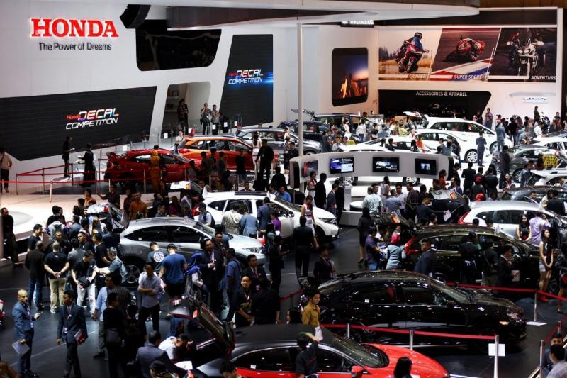 Ajang IIMS 2018 lalu turut menyumbang gairah penjualan mobil nasiona. (foto: anto)