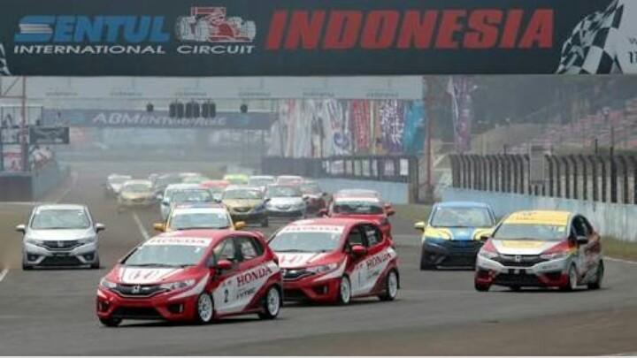 Honda Jazz dan Honda Brio Speed Challenge selalu diminati para pembalap. (foto : ist)