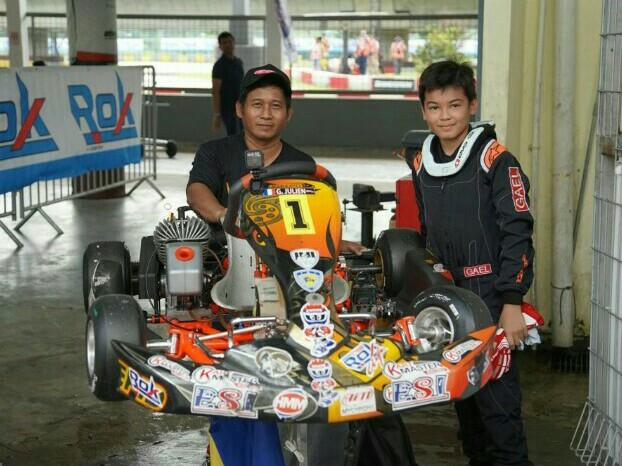 Gael Julien dan Trisno, mekanik yang sudah satu chemistry dengan pembalapnya. (foto : ist)