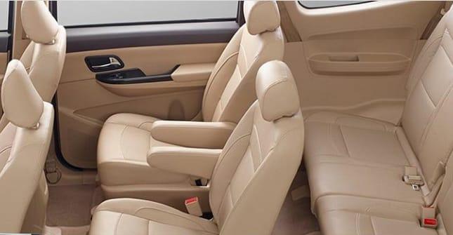Concern Wuling Motors di kabin kedua MPV produksinya bikin perjalanan semakin nyaman. (foto: ist)