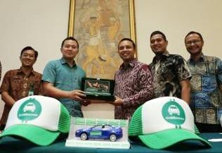 Kolaborasi Grab dan Bosowa Taksi Luncurkan Layanan Khusus di Kota Makassar. (foto: ist)