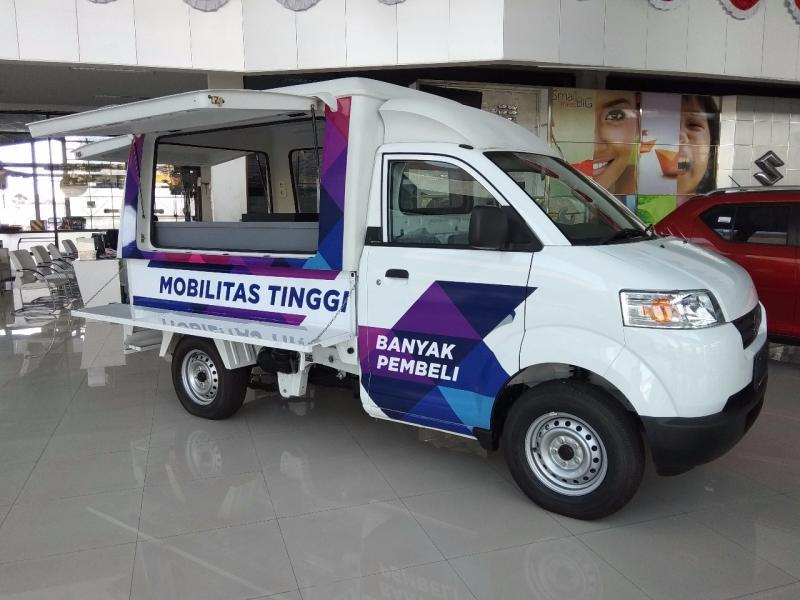 Suzuki Mega Carry jadi andalan Suzuki di Bali. (foto: anto)