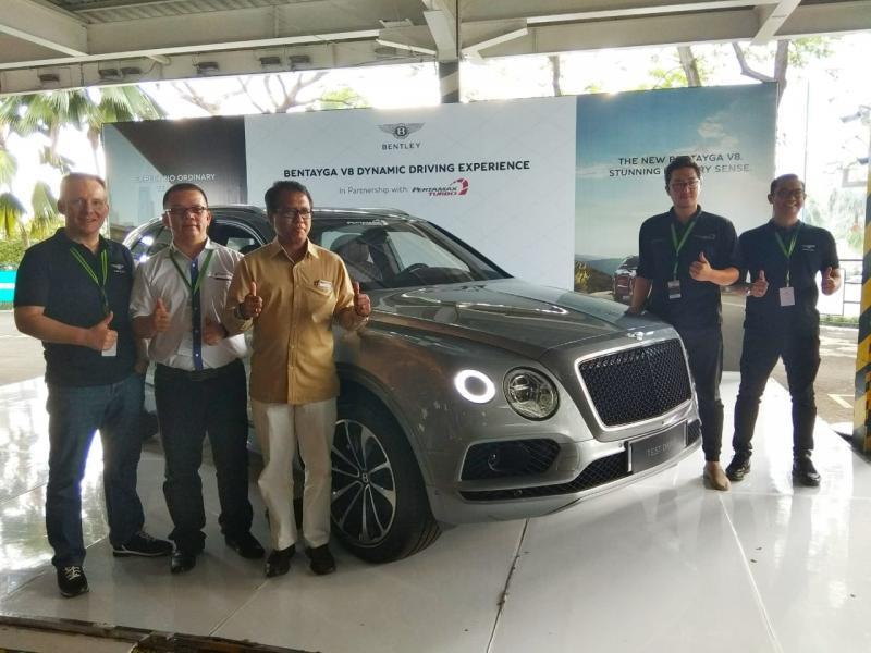 Bentley Bentayga V8 Bisa Dicoba di Tiga Kota ini. (foto: Anto)