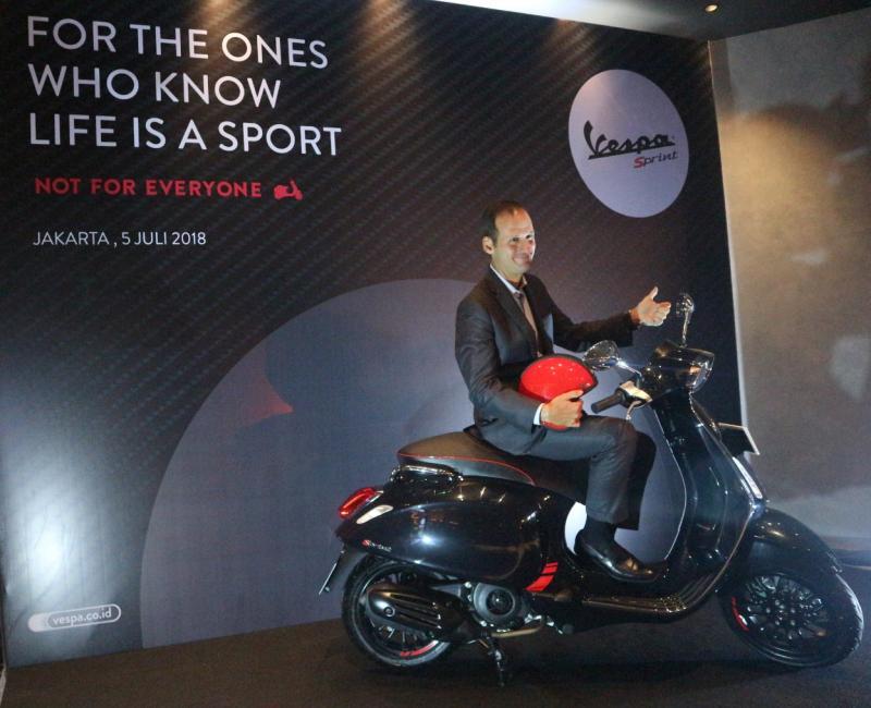 Vespa Sprint Carbon tawarkan sensasi baru untuk penggemar Vespa