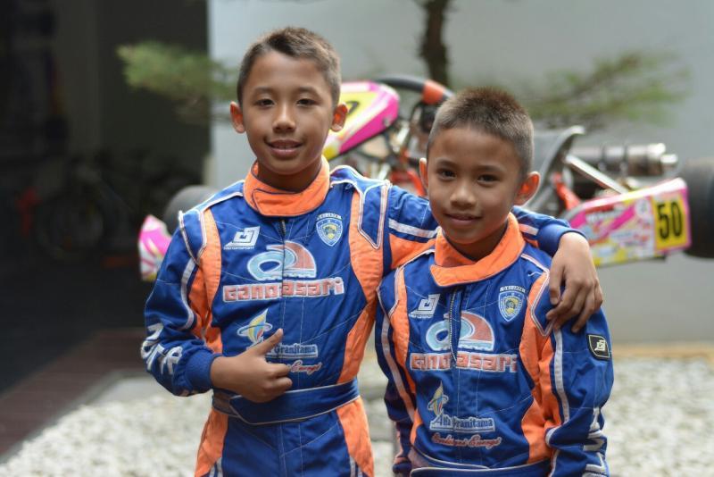 Aditya Wibowo dan Calvin Wibowo, masih berpeluang menjadi juara baik di ESHARK Rok Cup maupun AMC. (foto : fajar)