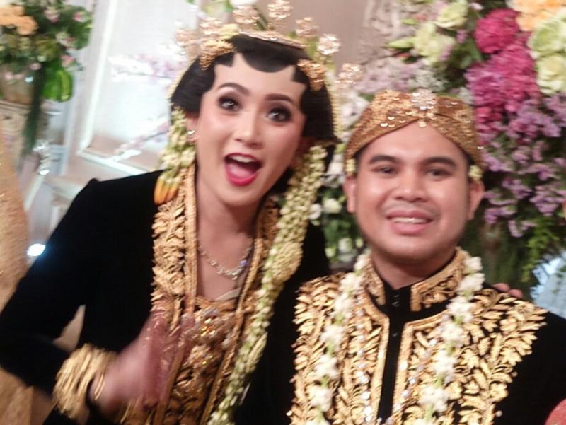 Resepsi mewah pernikahan H. Andi Baihaki dan Alinka Hardianti di hotel Shangri-la Jakarta. (foto : budsan)