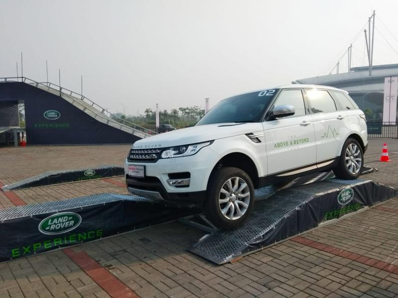 Jaguar Land Rover Indonesia Gelar Ajang Test Drive Terbesar. (foto: anto)