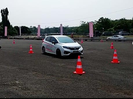 Honda Safety Driving Clinic 2018 Ajarkan Tiga Teknik Berkendara Aman. (foto: anto)