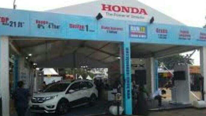 Booth Honda di Otobursa Tumplek Blek 2018. (foto : anto)