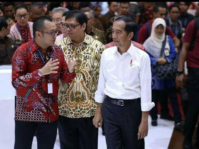 Presiden Jokowi mendapat penjelasan Permata Islam dari DFSK. (foto : ist)