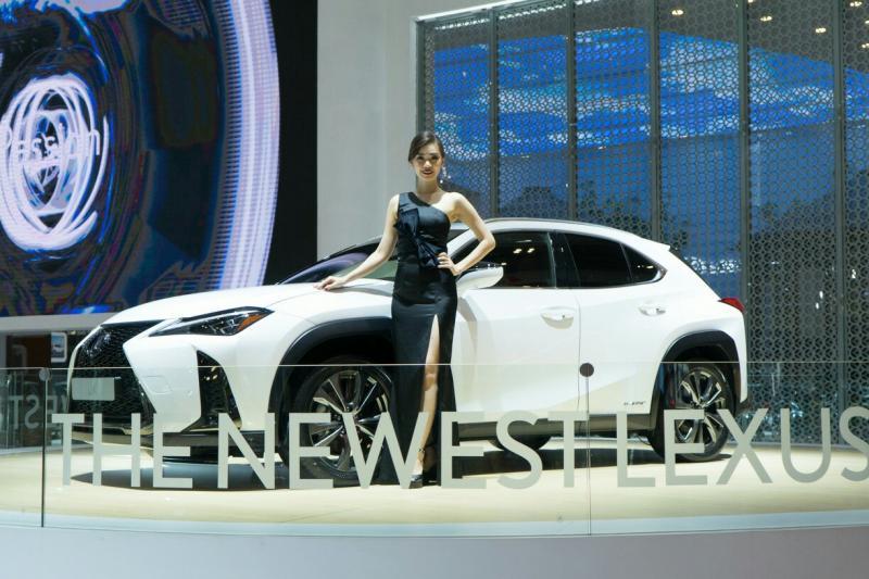 Lexus Indonesia luncurkan dua produk baru di GIIAS 2018. (foto : lxs)