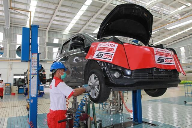 Auto2000 hadirkan program bengkel untuk kendaraan Toyota yang rusak akibat dampak tsunami
