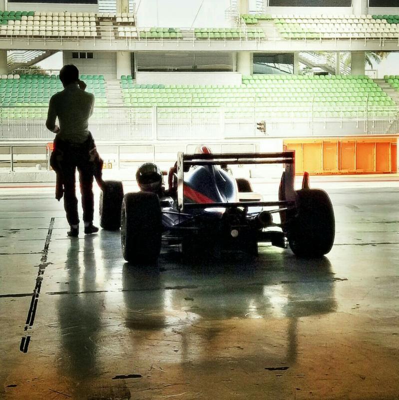 Keanon Santoso latihan di sirkuit Sepang, Malaysia hadapi AFR minggu depan. (foto : ist)