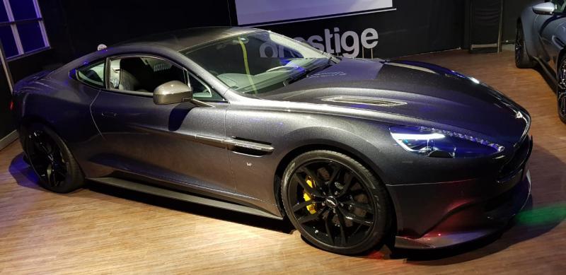 Aston Martin Vanquish s Ultimate hanya diproduksi 175 unit