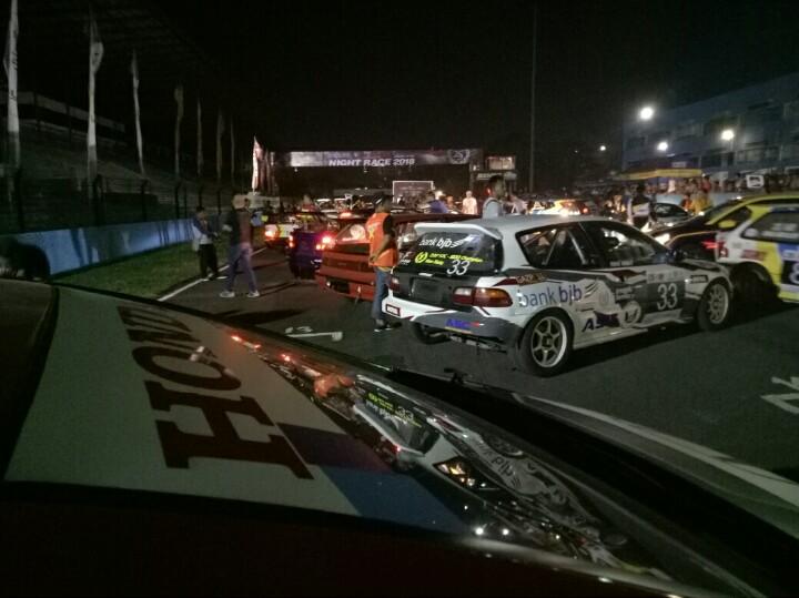 Night Race ISSOM yang pertama berlangsung sukses, dengan antusias sangat besar. (foto : BS)